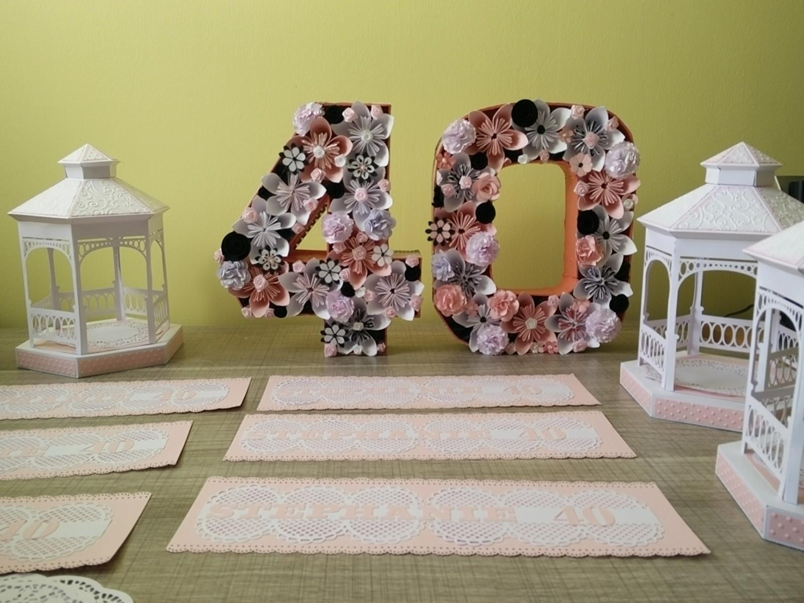 deco rose blanche et noire centre de table urne faire part. Black Bedroom Furniture Sets. Home Design Ideas