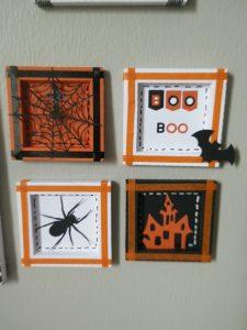4 petits cadres pour Halloween, noir, blanc et orange araignée, toile, château, chauve-souris