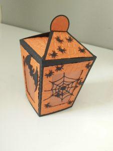 lanterne haloween noir et orange déco chauve-souris et araignées