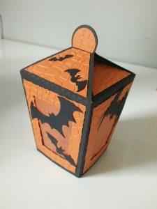 lanterne orange et noire pour déco halloween.