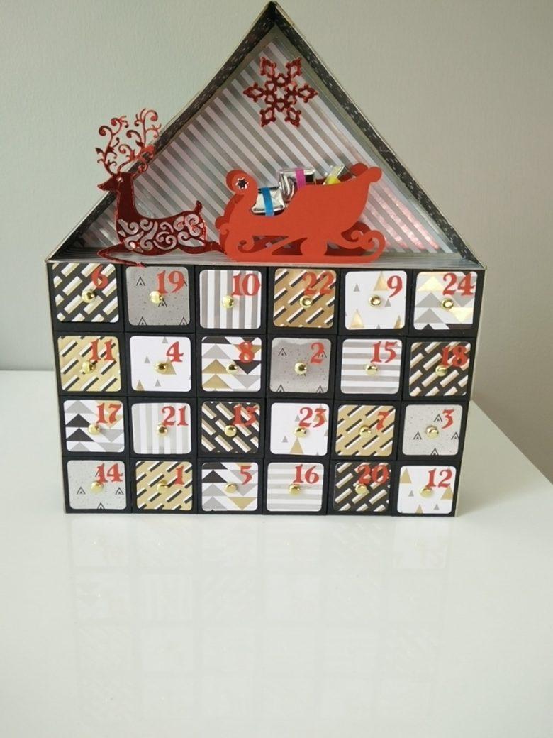 calendrier de l'avent en forme de maison