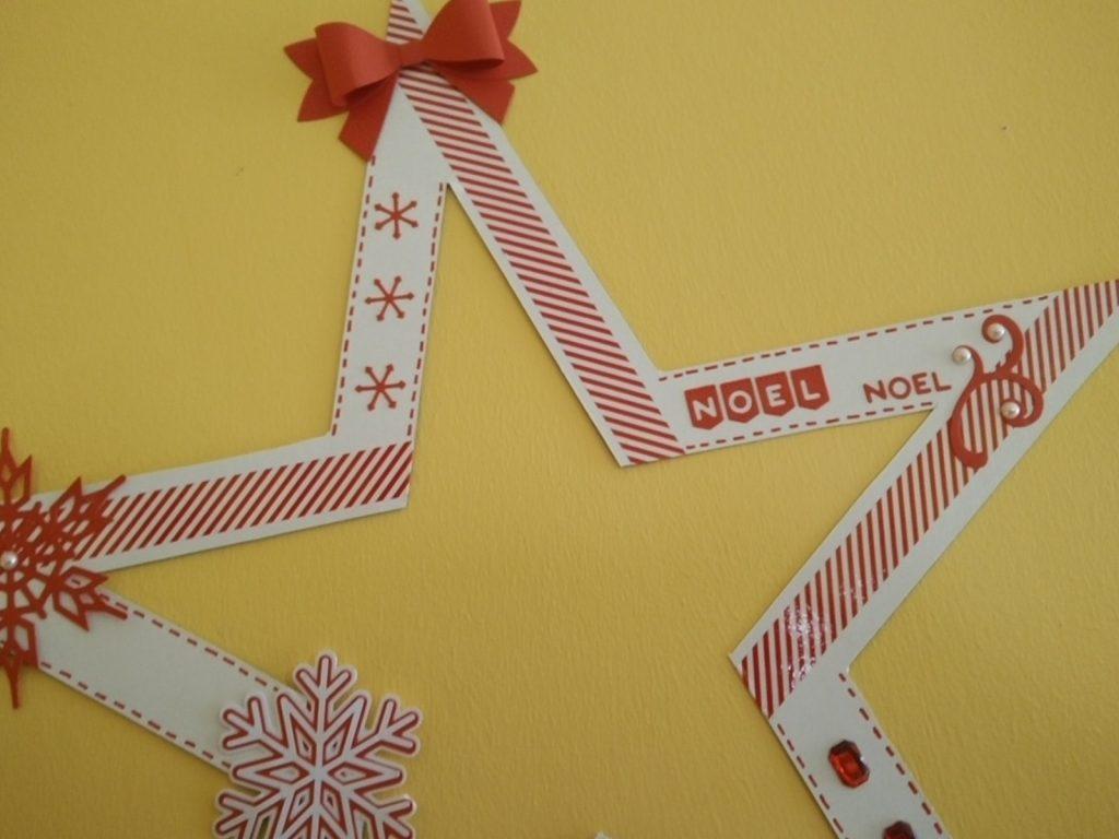 étoile de noël en carton avec déco rouge et blanche