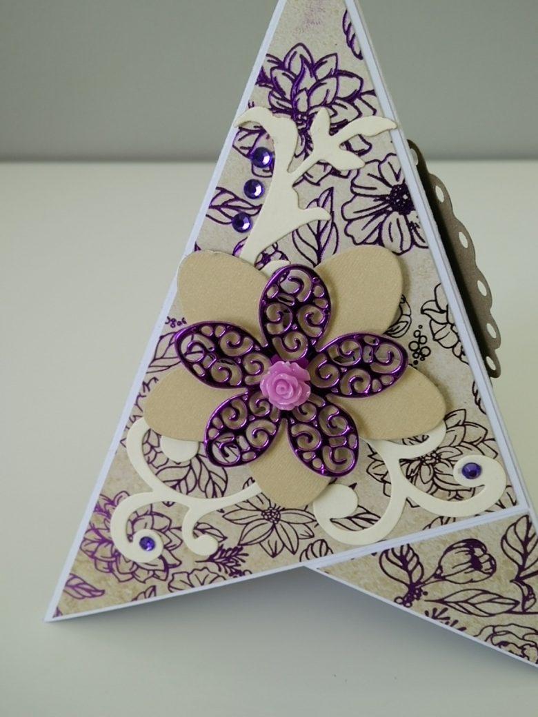 carte 3d pyramide fleurs